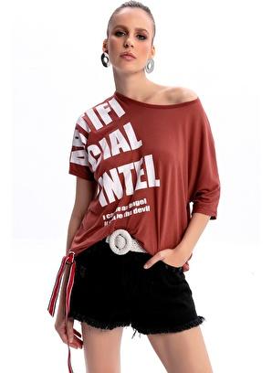Emjey Ön Omuz Baskılı Yarasa Kol T-Shirt